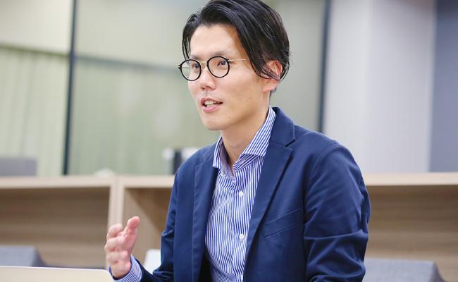 interview_asakura_02_sm